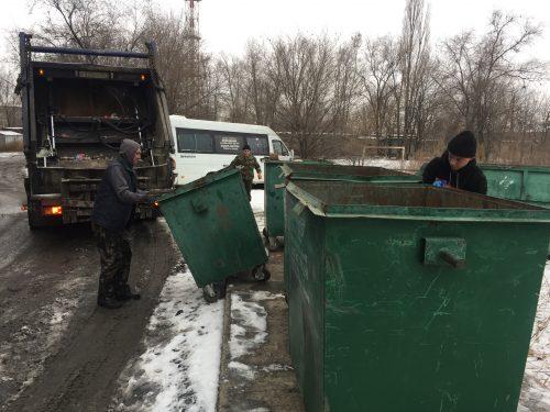 Минимум 70 человек ежедневно задействованы в уборке мусора в Новочеркасске