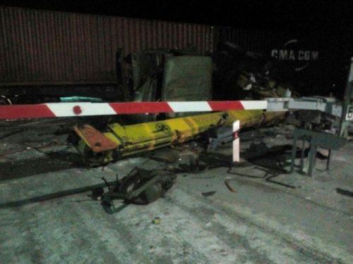 В Новочеркасске 13-ти летняя девочка погибла под колесами товарного поезда