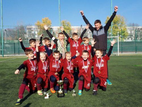 Юные футболисты из Новочеркасска взяли первенство на межрегиональном турнире в Пятигорске