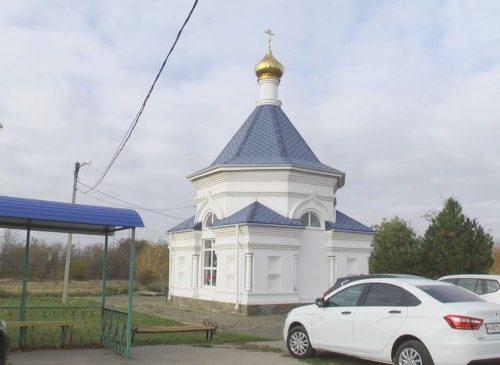Прихожане храмов почтили память Святого мученика Уара