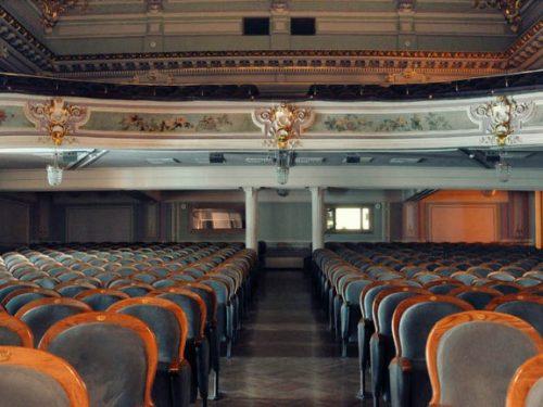 Актеры Новочеркасского театра к Новому году представят концертную программу «Весь мир театр»