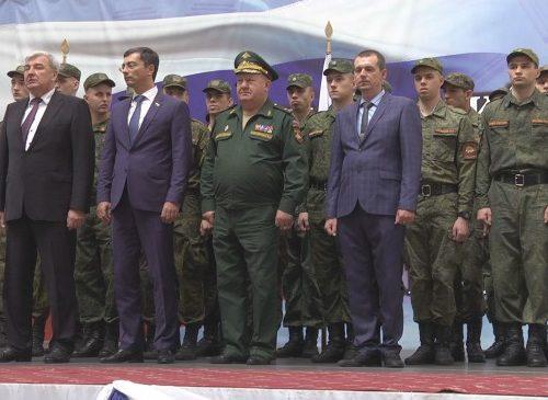 В ЮРГПУ (НПИ) прошло торжественное вручение военных билетов сержантам запаса