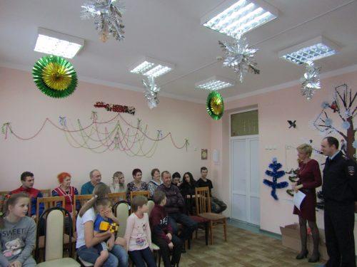 Полиция Новочеркасска поздравила с Рождеством воспитанников детских домов