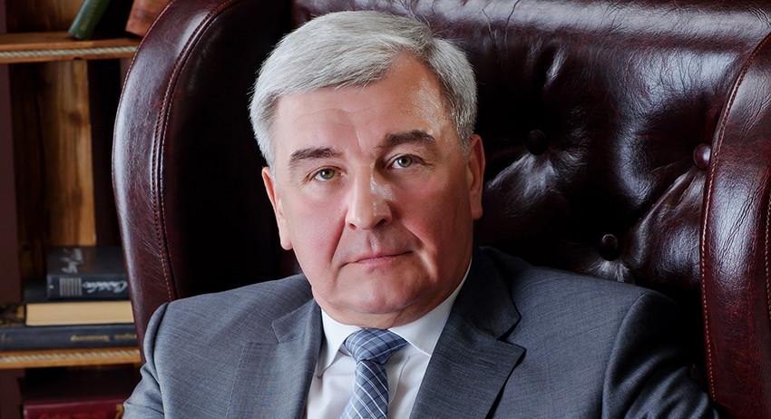 В Новочеркасске почтили память промышленника, ректора ЮРГПУ, бывшего члена СоюзМаша Владимира Передерия