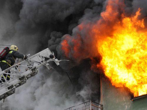 В Новочеркасске произошло возгорание жилого дома