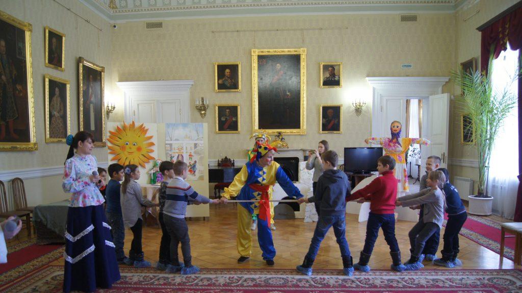 Участниками праздничной программы в Атаманском дворце, подготовленной к Широкой Масленице, стали лицеисты Ростова-на-Дону
