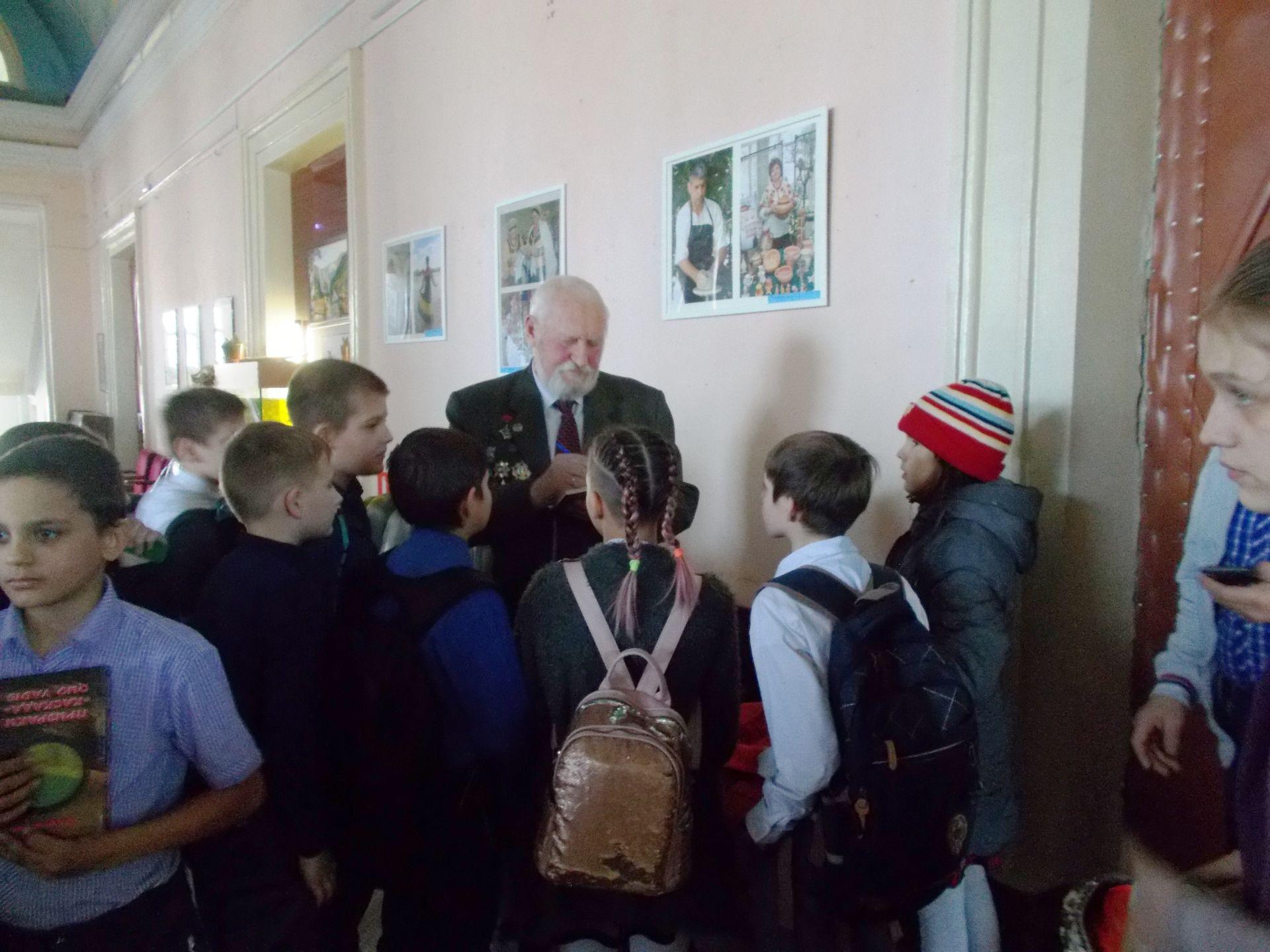 Рассказ из первых уст – школьникам Октябрьского рассказал об Афганской войне участник боевых действий