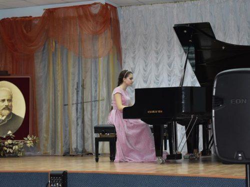 В музыкальной школе прошел концерт фортепианного отдела «Танцевальная музыка»