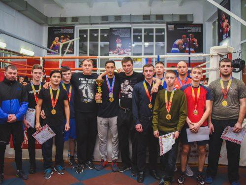 Новочеркассцы взяли первенство на областных  соревнованиях по боксу
