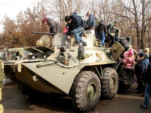 Новочеркасский гарнизон представил образцы военной техники