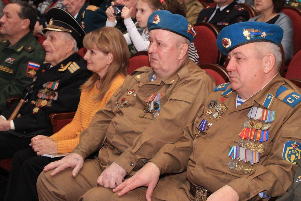 О подвигах воинов-интернационалистов помним!
