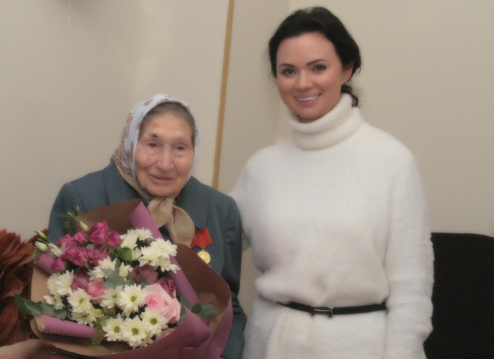 В Новочеркасске пенсионерка отпраздновала 90-й день рождения