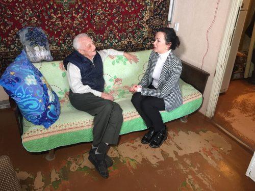 Новочеркасские ветераны в получили подарки в День защитника Отечества