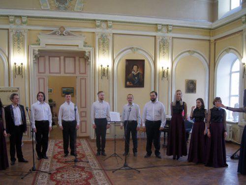 «Молитву пролию» – концерт духовной музыки состоялся в Центральной городской библиотеке