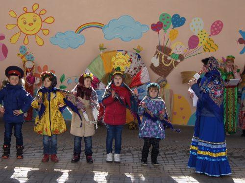 Яркий праздник Широкой Масленицы устроили для дошкольников в детском саду №16