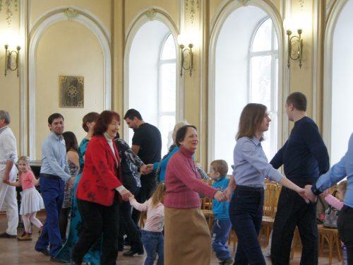 Славянскими хороводами отметили Масленицу особенные дети