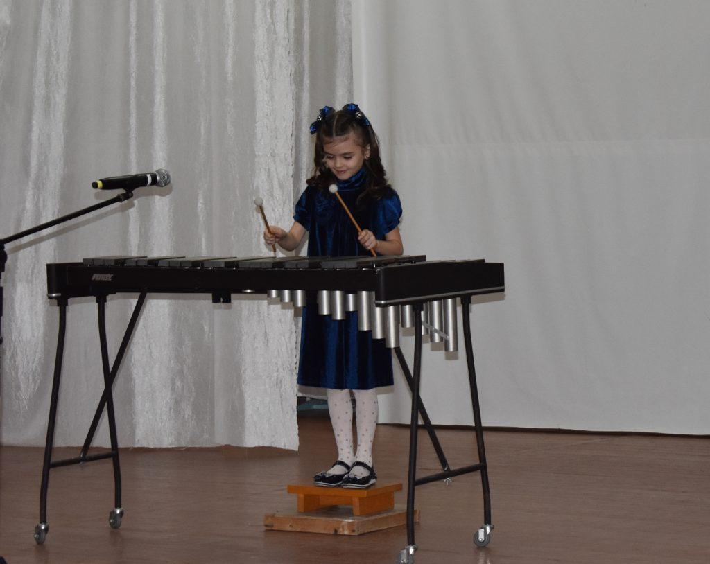 Концерт к пятилетию воссоединения России и Крыма дали воспитанники и педагоги музыкальной школы