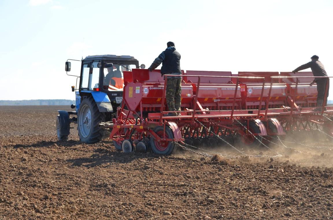 Донские аграрии приступили в весенним полевым работам