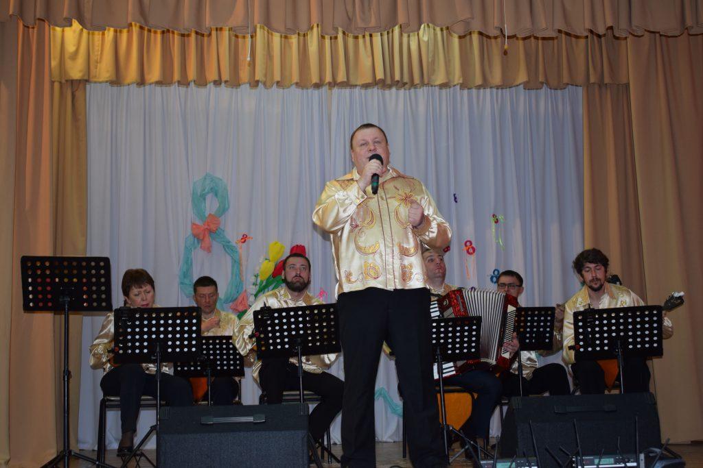 «Русская душа» – артисты «Донских узоров» провели концерт для особенных детей