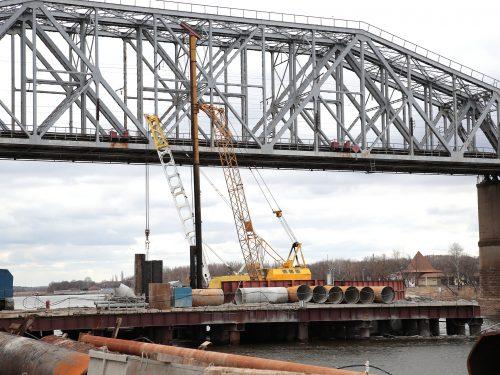 Мост через Северский Донец построен