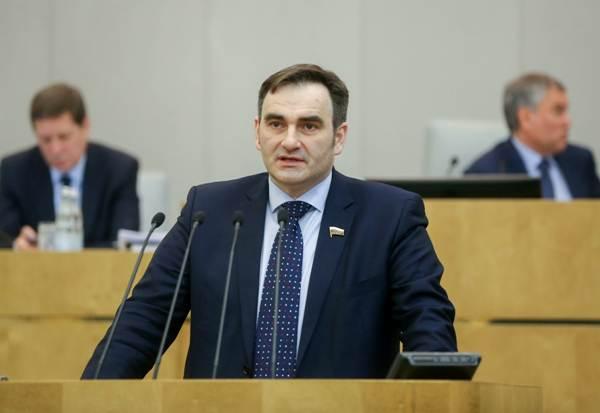 """""""Единая Россия"""" поддержала инициативу правительства изменить программу оказания медпомощи"""