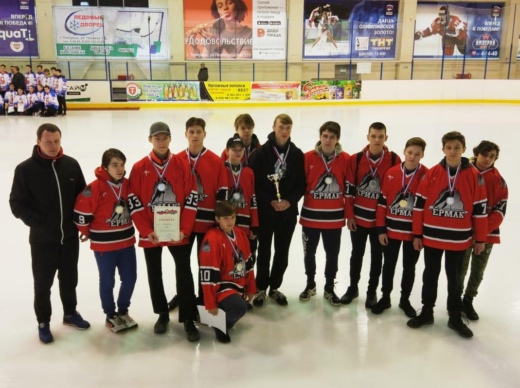 Новочеркасские хоккеисты взяли серебро на открытом первенстве в Краснодарском крае