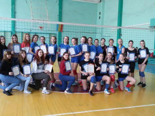 Волейболистки Новочеркасской школы №11 одержали победу в городском турнире