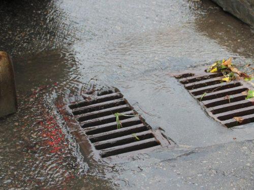 В Новочеркасске проверили работу ливневых канализаций