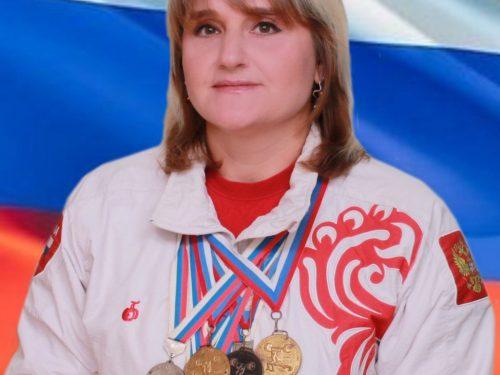 Новочеркасская штангистка установила семь рекордов на чемпионате России