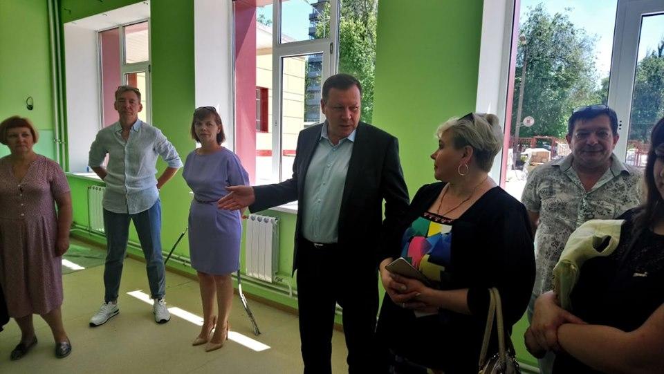 Глава администрации Новочеркасска Игорь Зюзин  провел выездную планерку на объекте капитально ремонтирующейся школы № 11.