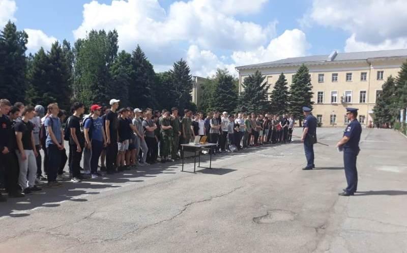Учебные сборы допризывников собрали Новочеркасских десятиклассников