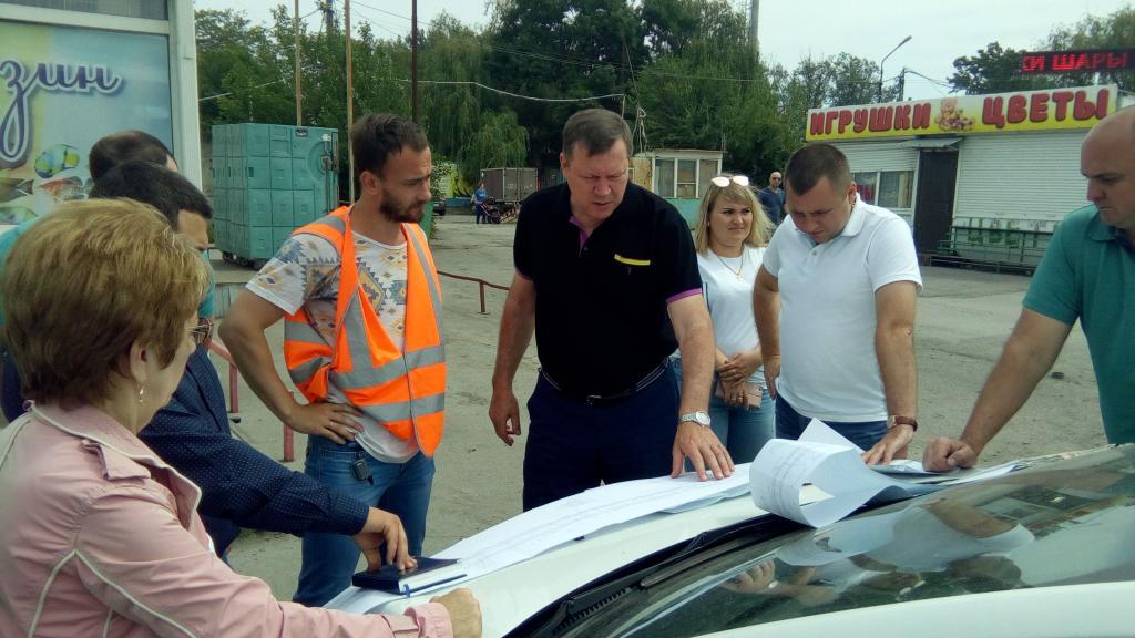 Глава администрации Новочеркасска проинспектировал территории, где идет реконструкция и ремонт