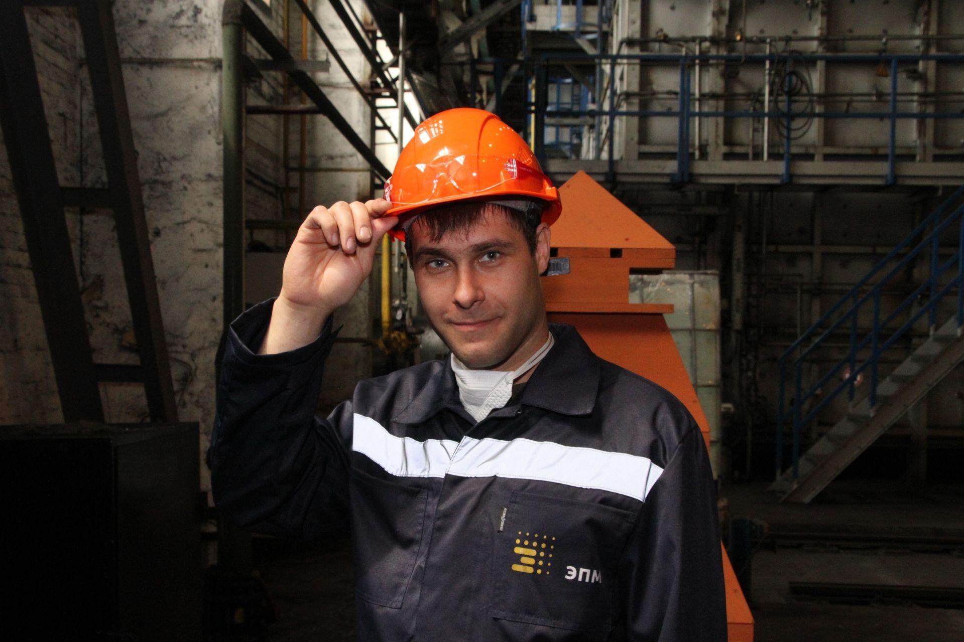 На базе Новочеркасского электродного завода стартовал чемпионат рабочих профессий Группы ЭПМ