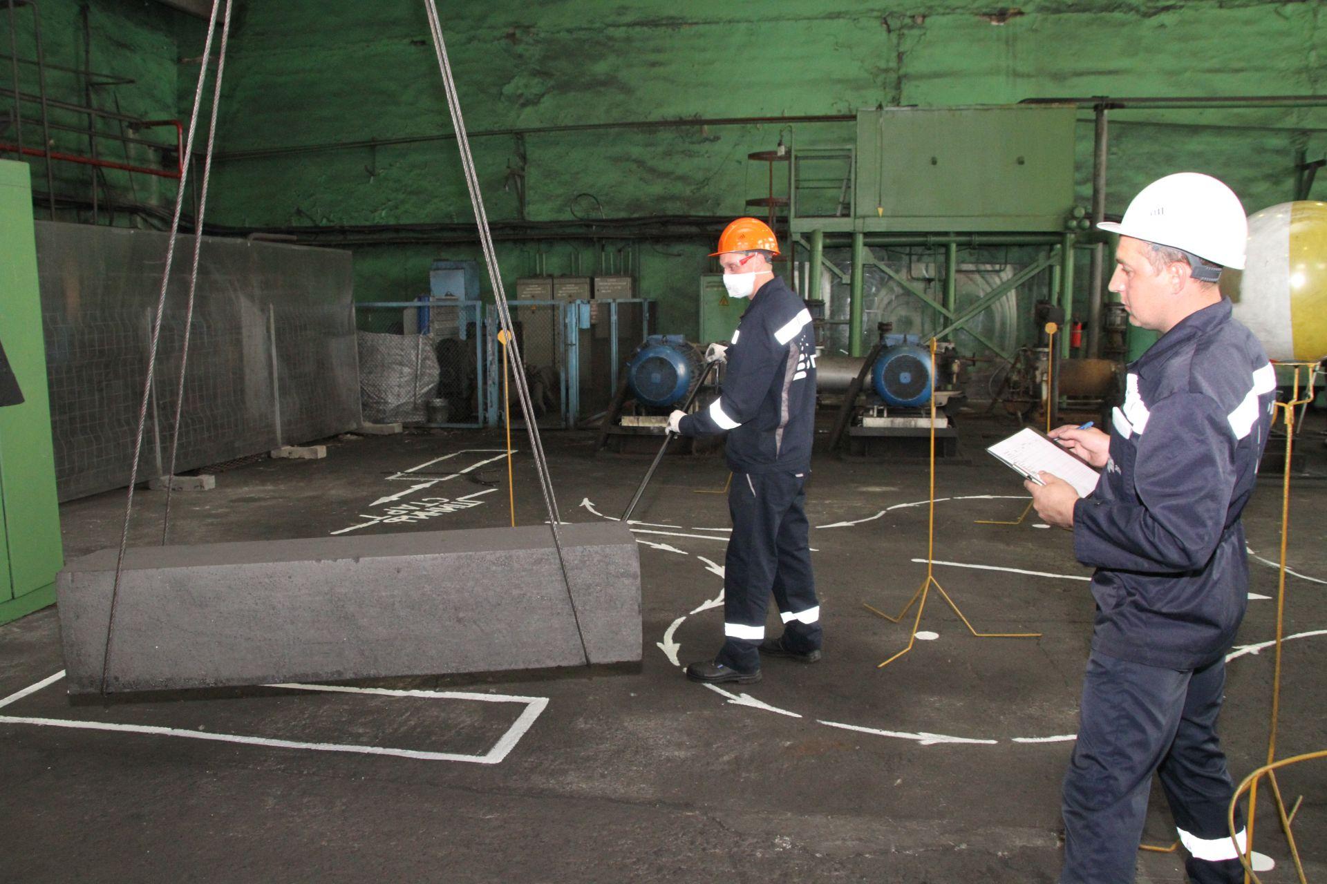 Пять первых мест завоевали на чемпионате профессионального мастерства рабочие Новочеркасского электродного завода