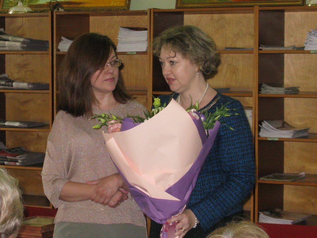 Новочеркасских библиотекарей поздравили с профессиональным праздником