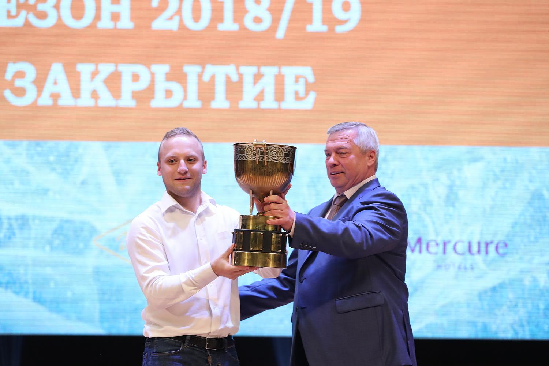 Хоккей дарит положительные эмоции, – убежден губернатор Ростовской области
