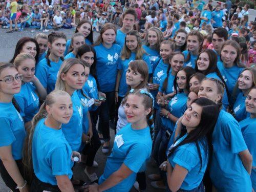 Более 800 детских учреждений уже ждут ребят на первую лагерную смену
