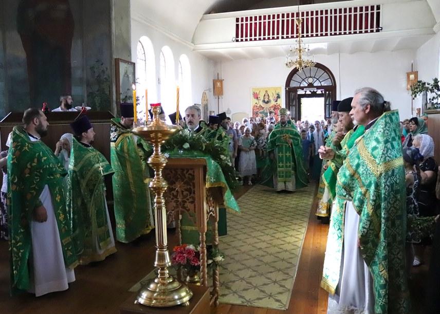 Храм святых равноапостольных царей Константина и Елены отметил 110 лет со дня постройки и освящения.