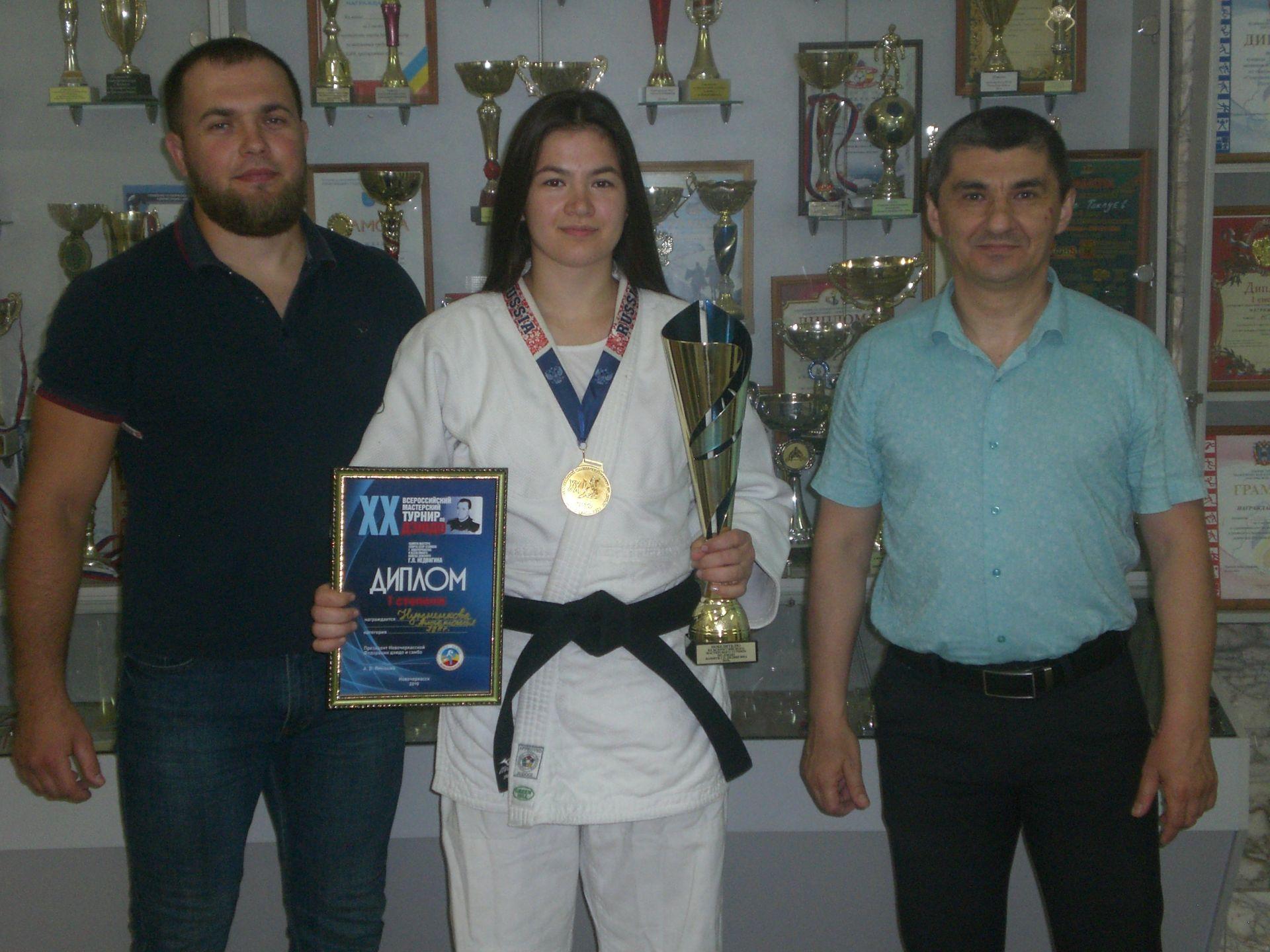 В турнире памяти Геннадия Недвигина победу одержала студентка НИМИ