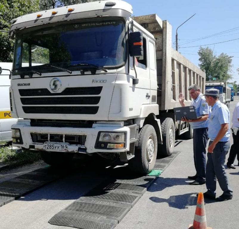 Проверка весового контроля грузового транспорта на дорогах Новочеркасска вскрыла системные нарушения