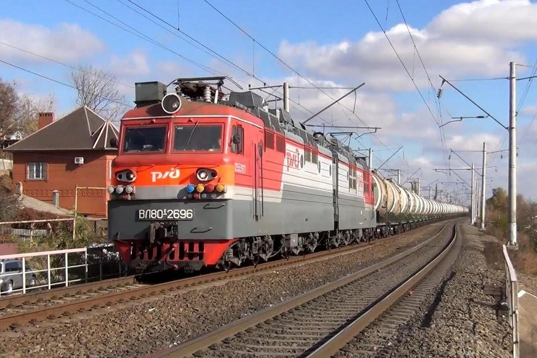 Годовой объем перевозок грузов по железной дороге превысил 30 млн тонн
