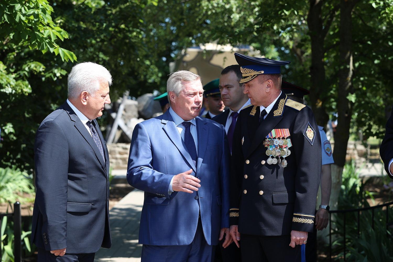 Василий Голубев почтил память защитников рубежей Отечества