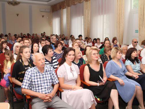 В Новочеркасском технологическом техникуме-интернате состоялся выпускной вечер