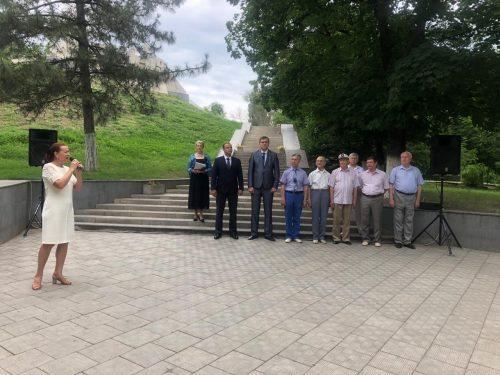 Несколько сотен Новочеркассцев приняли участие в праздновании Дня России