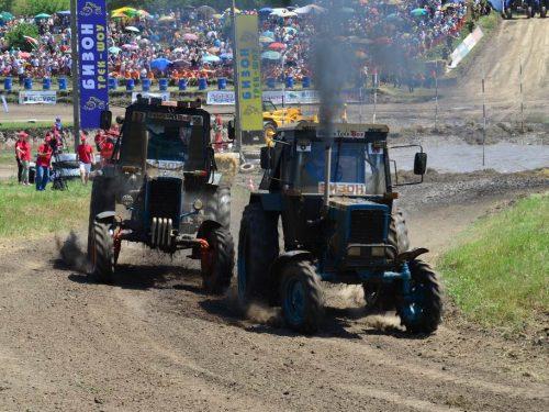 Более сорока тысяч зрителей собрали тракторные гонки «Бизон-Трек-Шоу 2019»