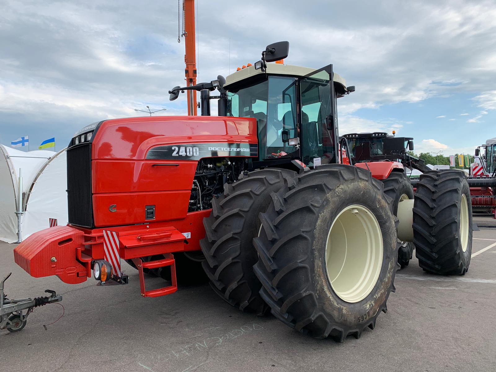 Донская машиностроительная компания Ростсельмаш представила свою продукцию на выставке в Белоруссии