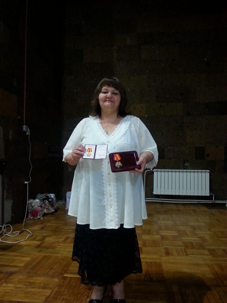 Руководитель коллектива народной песни из Новочеркасска награждена орденским знаком «За верность Отечеству»