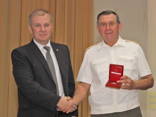 Знак губернатора Ростовской области «За ратную службу» вручен Владимиру Тюльпанову