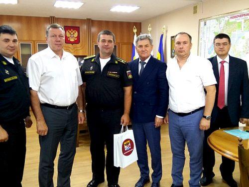 Новочеркасцы встретили команду с «Новочеркасска»