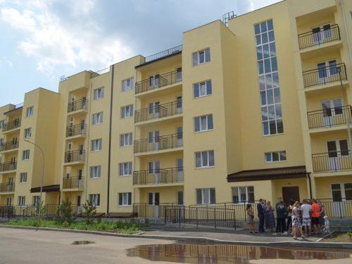 На год затянулось строительство квартир для детей-сирот в микрорайоне Донской